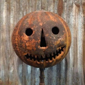 The Most Scary DIY Halloween Decoration Ideas For Your Home 01
