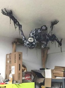 The Most Scary DIY Halloween Decoration Ideas For Your Home 25