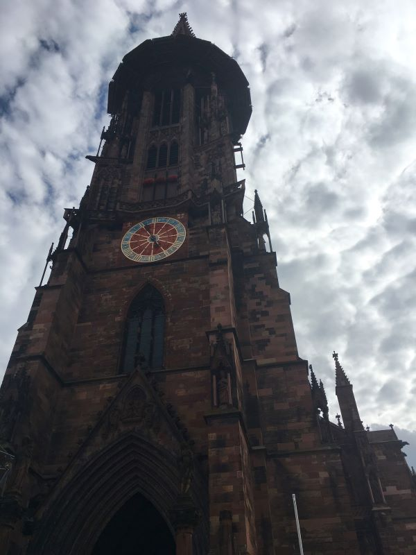 A close up photo of the Freiburg cathedral.