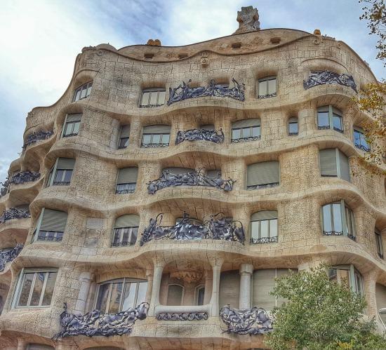 5 Must Dos in Bustling Barcelona