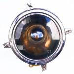 Ancien projecteur de la marine anglaise anciellitude