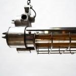 Double Fluo anti-déflagration grillagé en fonte d'aluminium petit format version 4 ampoules anciellitude