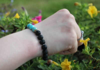 Turquoise Bead accent braclet