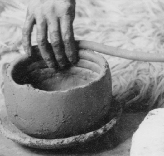 How to Make a Coil Pot?