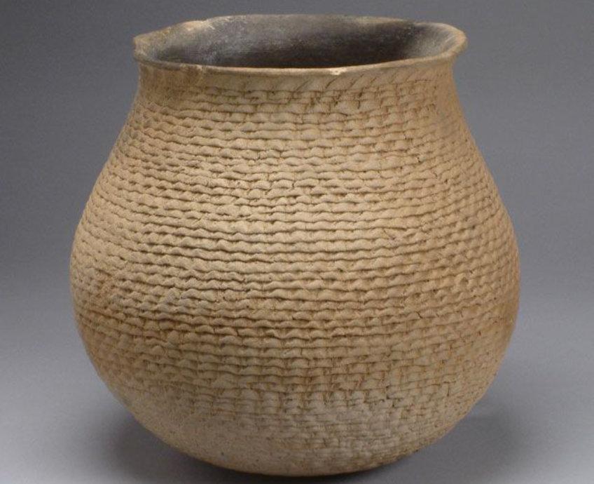 Anasazi corrugated jar