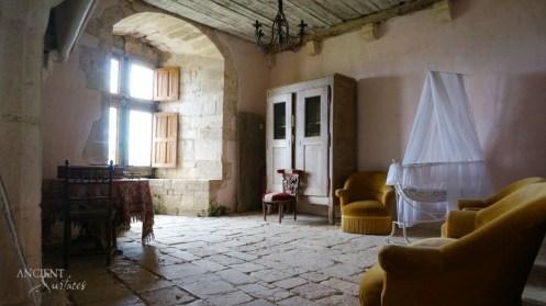 french-provencal-living-room-limestone-wall-cladding-flooring