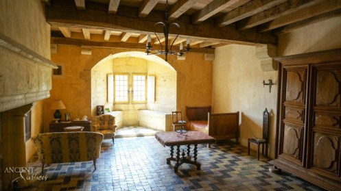 limestone-flooring-wall-cladding-french-provence-castle