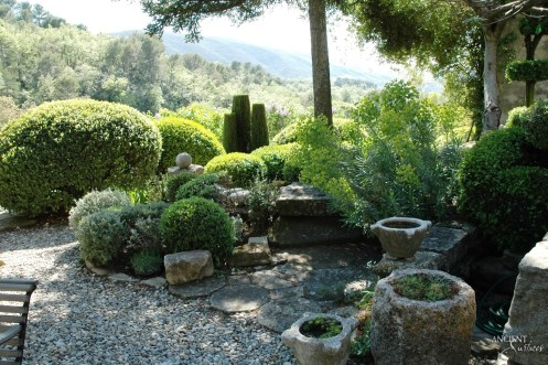 limestone-pot-outdoor-garden-backyard-french-country-side