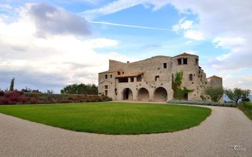 italian-limestone-farmhouse