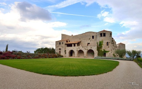 italian-limestone-farmhouse
