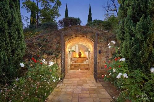 limestone-entryway