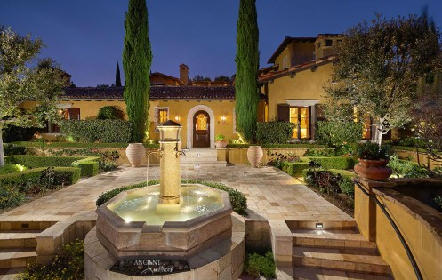 outdoor-limestone-pool-fountain