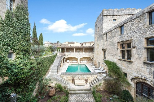 french-farmhouse-country-house-provence-limestone-wall-cladding--pool-coping