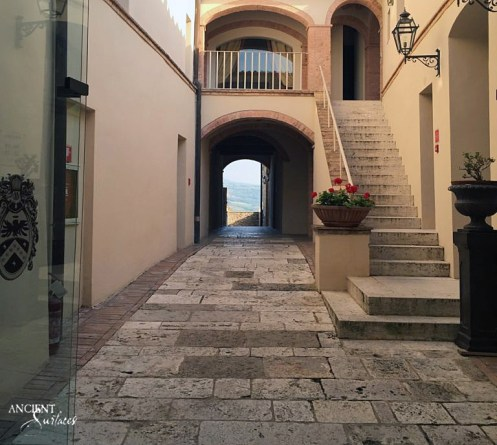 outdoor-limestone-flooring-stone-stairs-antique-terrace-villa-farmhouse