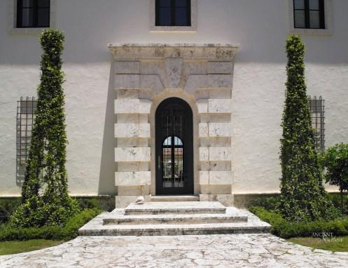 mediterranean-limestone-entryway-limestone-flooring-stone-wall-cladding