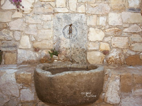 outdoor-limestone-trough-sink-antique-limestone-wall-cladding-ancient-surfaces