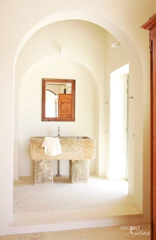 bedroom-design-with-limestone-sink