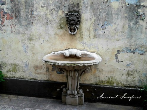 outdoor-limestone-sink-hand-carved