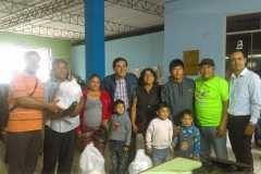 Dr. Rodolfo Morales Peru 2017, entregando comida