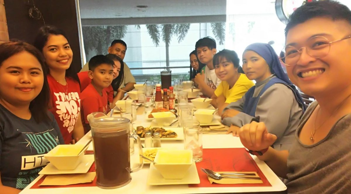 Luch at Max Restaurant Allimal with the Regional Social Workers, PIT, Donor and sponsor child