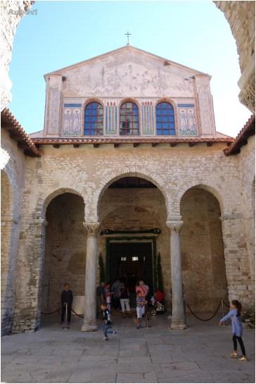Basilica Eufrasiana - atrio colonnato