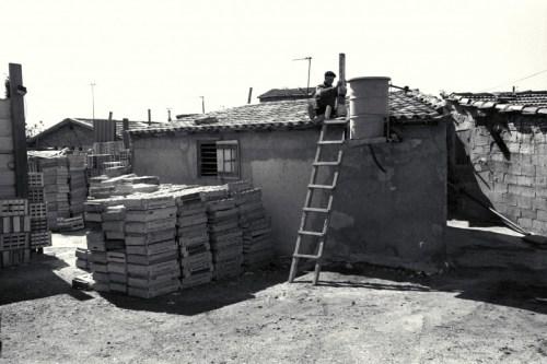 le bidonville de La Lorette (16è art.) - © J. Windenberger - 6/04/1991