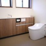 仕切りを取って1坪の広々トイレにリフォーム(赤井町)