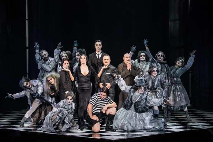 La familia Addams Foto ighuen Desanto