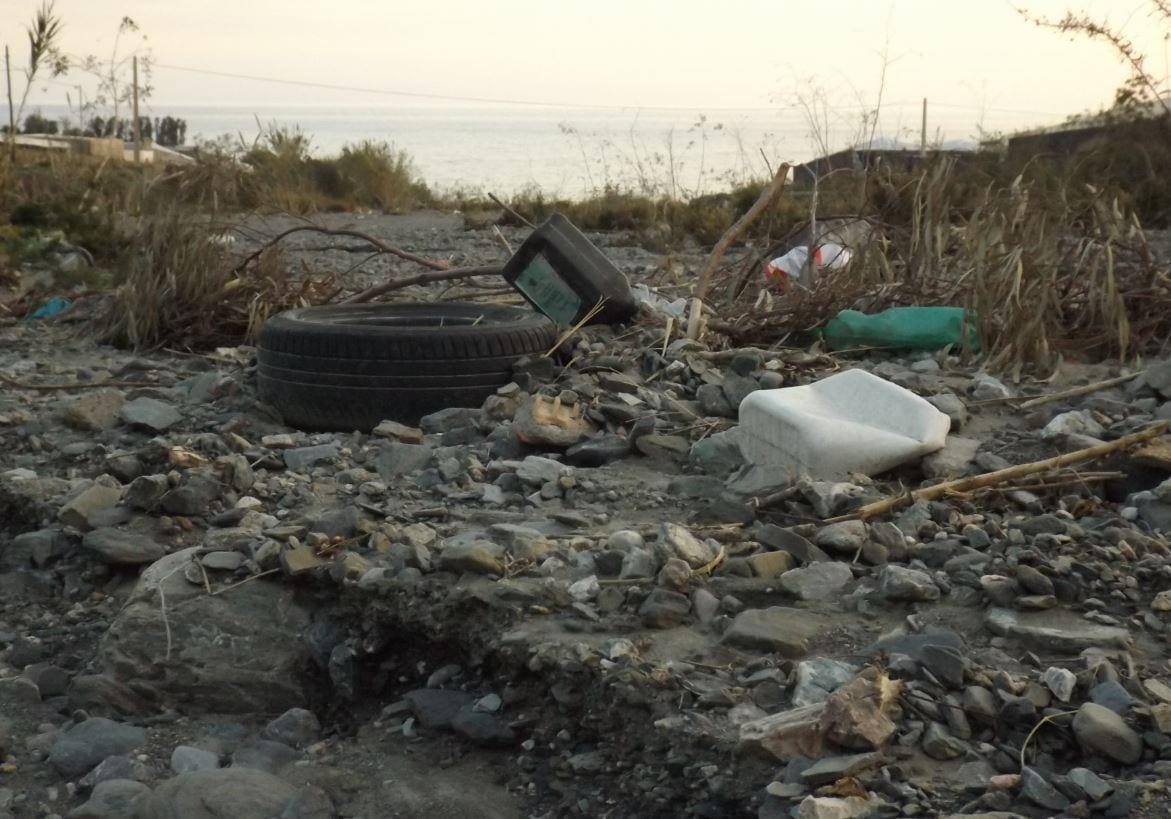 Lanjarón y Ecoalf se unen para que la basura no llegue al mar