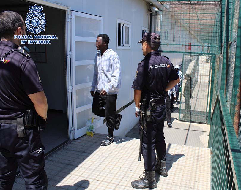 Detenidos por tripular una patera