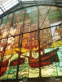 La vetrata dell'Atarazanas.