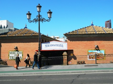 La facciata del Mercado de Triana.