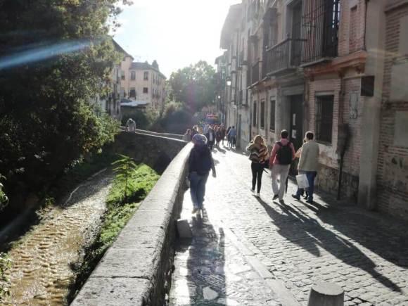Cosa-vedere-a-Granada_Alhambra_darro