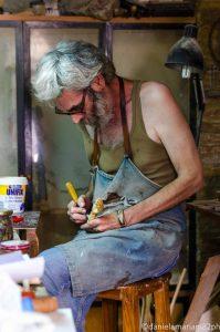 Artigiano_sculture_di_legno_Cordoba