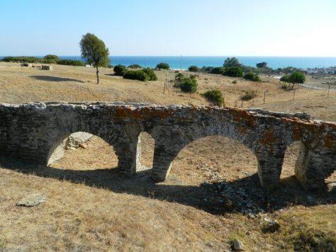 cosa_vedere_tarifa_spiagge_surf_spagna_andalusia_baelo_claudia_acquedotto