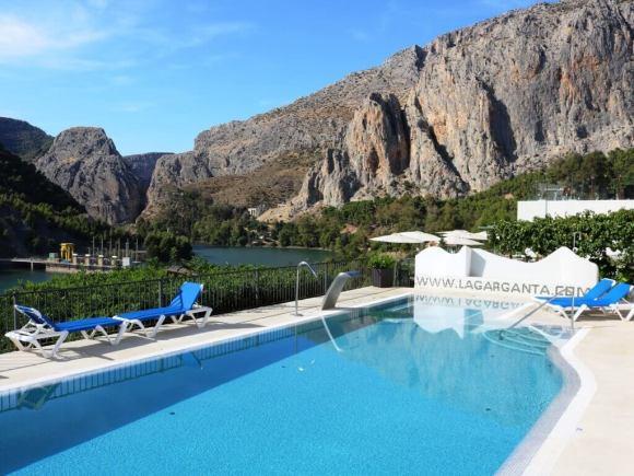 dormire_caminito_hotel_piscina