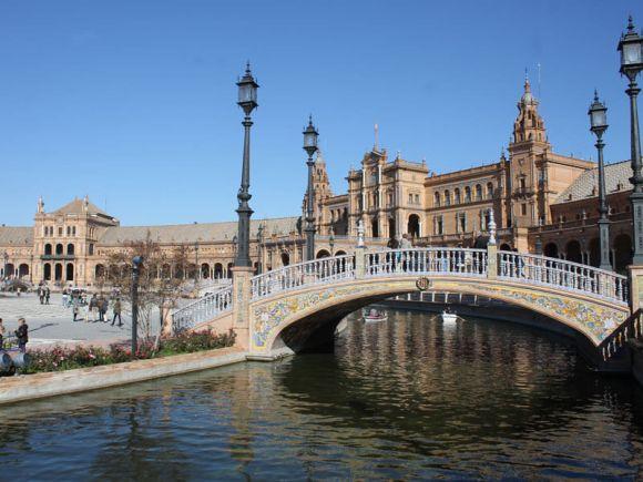 plaza-de-espana-monumento-siviglia