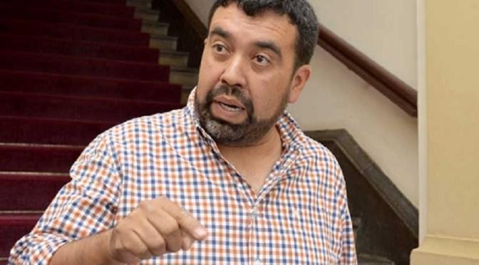 Álvaro Ruiz se resiste a cumplir orden judicial y no devuelve recursos debitados