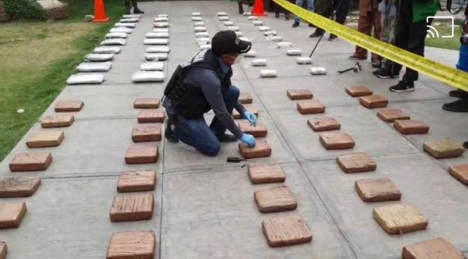 Felcn secuestra 132 kilos de marihuana en Sica Sica