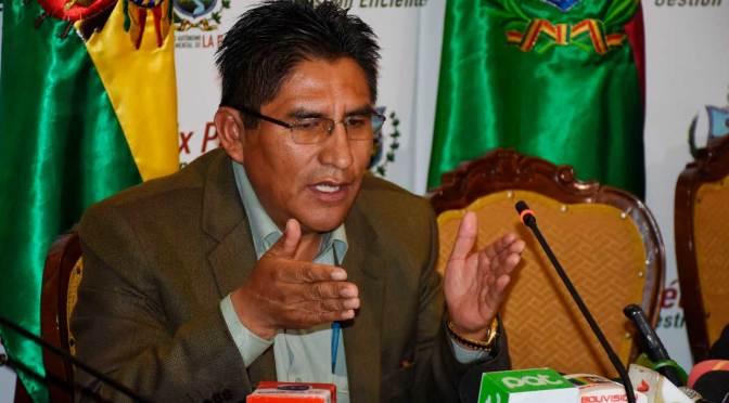 Gobernación dice que el Gobierno excluyó a Patzi de inauguración de hospital; Arias pide disculpas