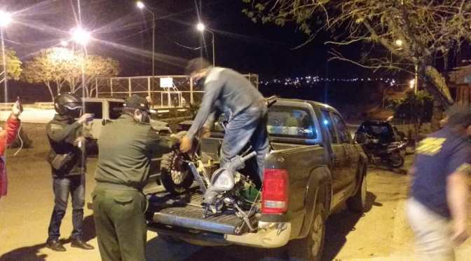 Policías identifican una casa donde desarmaban y compraban motos robadas
