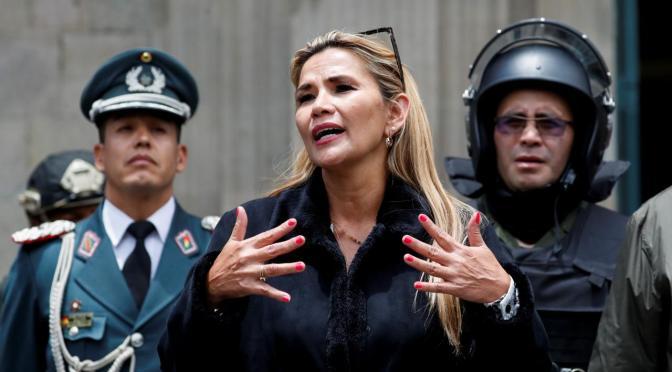No tan JUNTOS: Jeanine Añez renuncia a su candidatura a presidenta