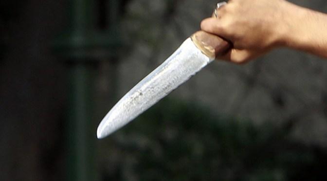 Mujer embarazada apuñala a su concubino e intenta matarlo tras descubrir una infidelidad