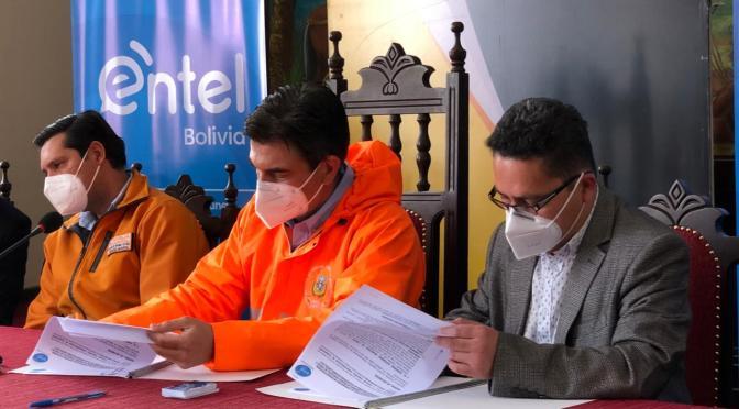 Alcaldía de Tarija firma convenio con ENTEL en beneficio de  estudiantes