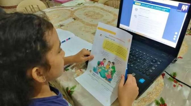 Autoridades educativas no descartan iniciar el 2021 con clases virtuales