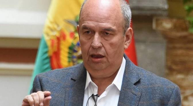 Desde distintos sectores piden la aprehensión de Arturo Murillo