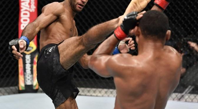 VIDEO: Deja inconsciente de pie a su rival, destroza su invicto y logra el nocaut «más increíble de la historia de la UFC»