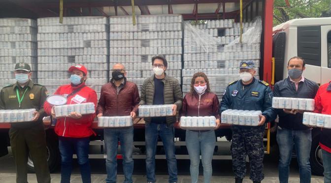 CBN dona 20.000 unidades de agua a la Gobernación para que se distribuya a la Policía y FFAA
