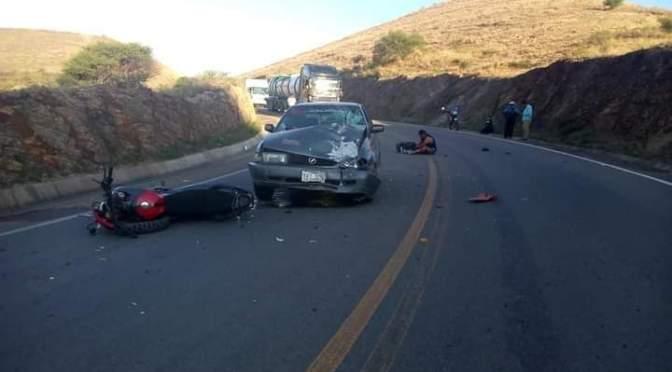 Reportan un accidente en la Falta La Queñua entre un auto y una moto