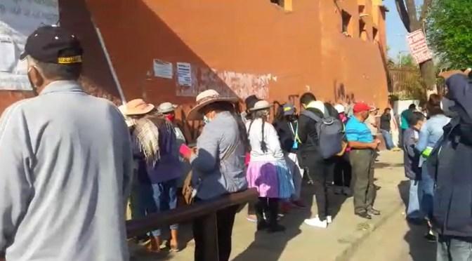 Masiva asistencia en la unidad Fe y Alegria al inicio de la jornada electoral